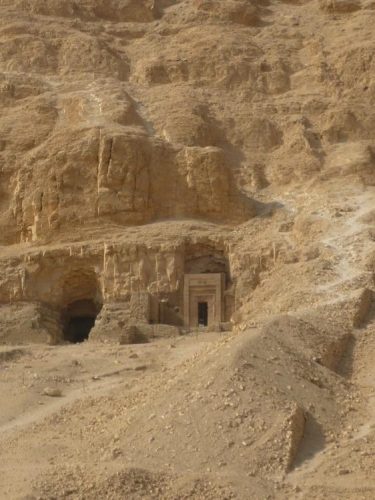 Hrobka ve skále