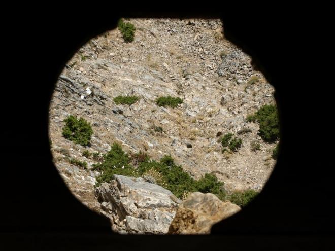 pohled tentokrát dírou do hlubin Samarie ....
