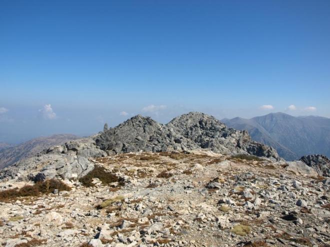 další dva vrcholy tohoto kopce
