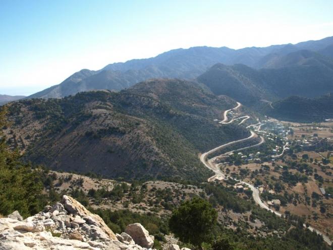 vesnička Askifou na planině téhož jména