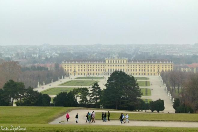 Pohled na zámek z parku (Katka Žejdlová)