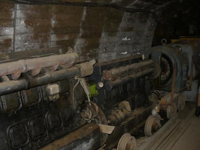 Vagóny v tunelu/štole