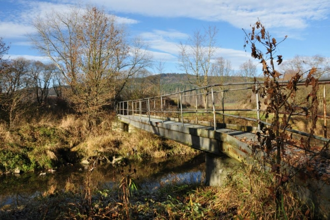 Přecházíme řeku i kanál napájející mnoho rybníků před Vodňany.