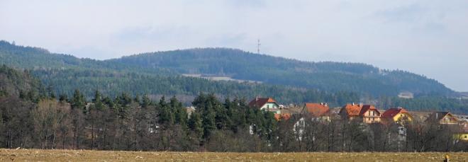 Pohled k Velkému Kamýku od Dobevi.