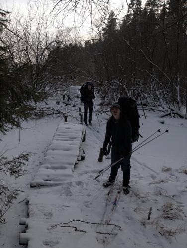 Dobrodružně překračujeme zamrzlou Malši a její údolíčko (Radim).