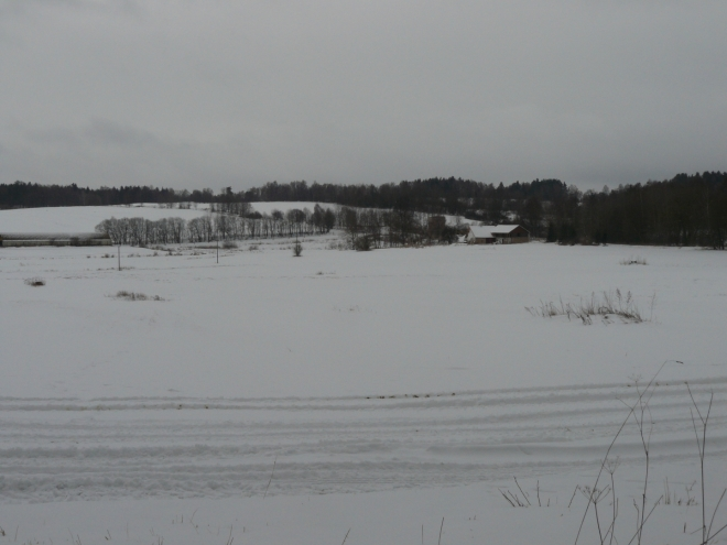 Pohled k vesničce Tichá schované v údolí