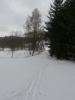 Můstek přes Kabelský potok, přes nějž jsme přišli. V poměrně čerstvém sněhu vytváříme novou stopu.