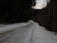 Podél této cesty pokračujeme dál od nocležiště, částečně pěšky, částečně běžky. (Radim)