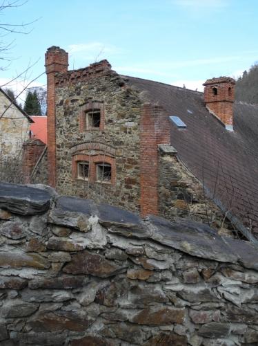 A také starobylá stavení a jejich zajímavou architekturu.