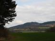 Z vrcholu náš pohled zamířil i k Mařskému vrchu.