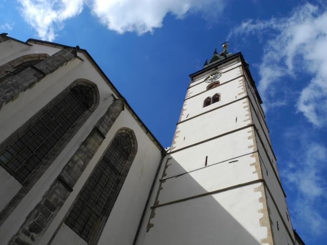 Věž pochází z 15. století, svou nynější podobu získala, podobně jako řada další městské architektury, po ničivém požáru města v roce 1801.