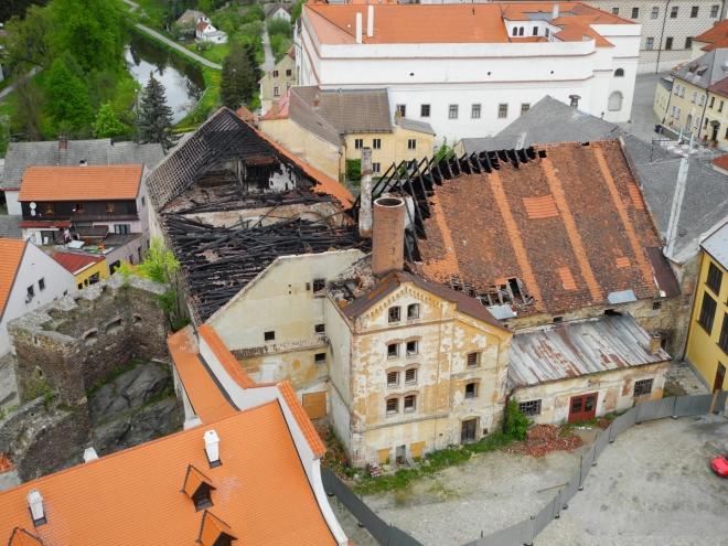 Nedávno vyhořelá budova pivovaru.