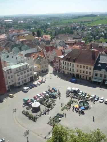 Žižkovo náměstí s kašnou