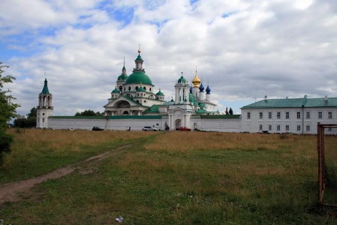 První větší zastávka: Spaso-Jakovlevský klášter v Rostově (Velikém)