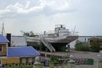 Loď na opravě v suchém doku