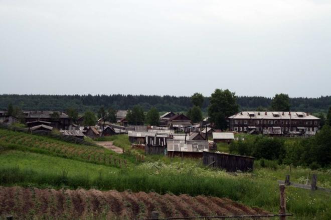 Nějak takle vypadaly vesnice, které jsme míjeli