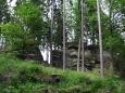 Pod vrcholem Věnce jsou mohutné mrazové sruby.