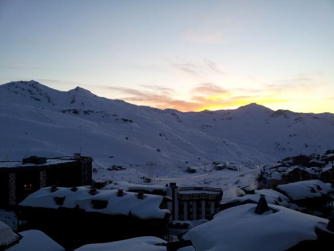 Náš první západ slunce nad Val Thorens