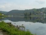 Pohled zpět k Davli na most přes Vltavu.