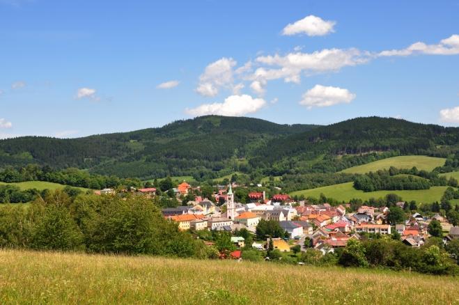 Kašperské Hory ze Šibeničního vrchu.