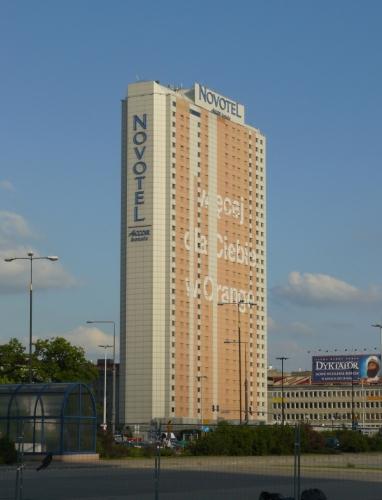 Jedna z mála výškových budov.