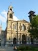 Kostel poblíž Paláce kultury