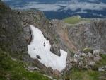 Další sněhové pole ve skalách pod Kaisernsteinem