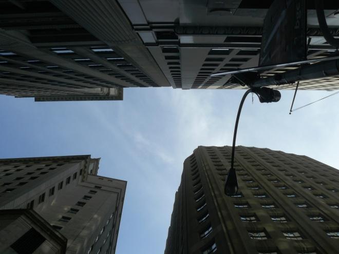 Nebe v NY podruhé, tentokrát ve Wall street