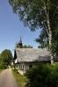 Jeden dům je i s původní věžičkou, kde je zavěšem menší zvon.