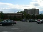 Další budovy v kampusu.