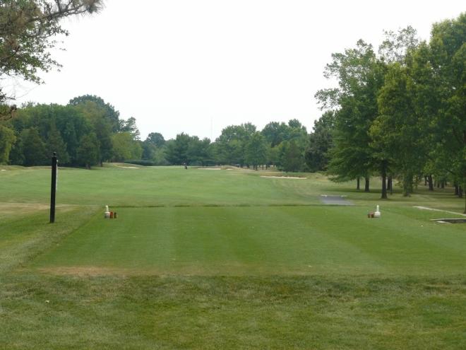 V kampusu je i golfové hřiště, ale prý se za něj taky musí dost platit.