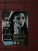 Pokud uvidíte něco podezřelého, ohlaste to policii! Tento plakát jsem vyfotil na autobusovém nádraží v New Yorku, podobné byly i v autobusech, na vlakovém nádraží v New Yorku pak tato hesla hlásili i na nádraží.