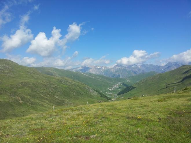 Pohled směrem k horám v okolí Livigna (Livigno není na této fotografii vidět)