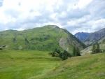 Krásně zelená alpská loučka
