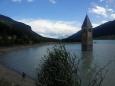Velice půvabné Reschensee s kostelní věží uprostřed jezera