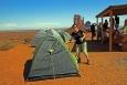 Utah, Monument Valley - moje manželka a náš stan
