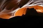 Arizona, Antelope Canyon - silueta, připomínající Monument Valley