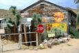 Arizona, US Route 66 - stará pumpa v Hackberry