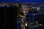 Nevada, Las Vegas - večerní pohled ze Stratosphere Tower