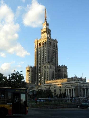 Palác kultury, anténa na střeše sahá do výšky 237 m.
