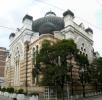 Synagogou, jednou z největších v Evropě, uzavíráme trojúhelník náboženských staveb. Dovnitř se nedostaneme ani náhodou.