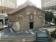 Kostelík sv. Petky Samardžijské z 16. století je pod současnou úrovní terénu.