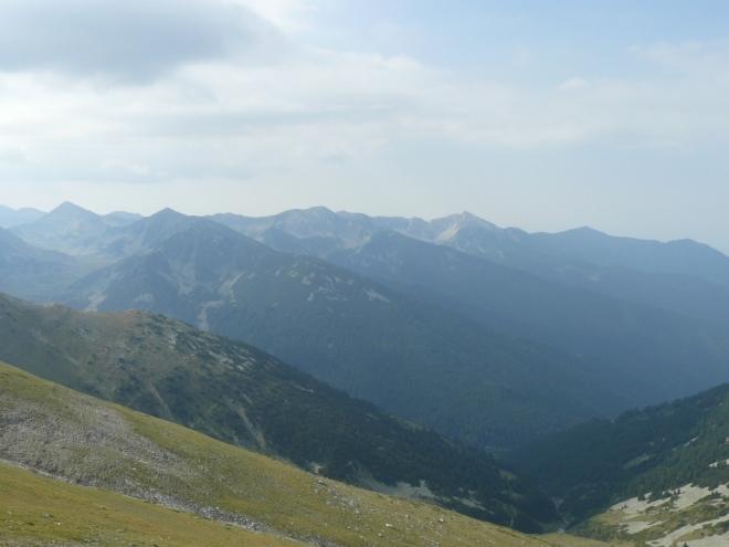 První pohled k rozmanitější žulové části pohoří