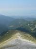 Na západ, kde je spousta zalesněných kopců, nepadá severní Pirin tak rychle jako na východ.