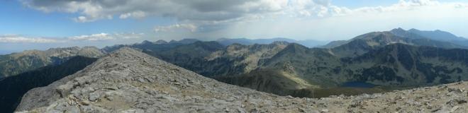 Rozmanitá žulová část pohoří (druhá část 360° panorama)