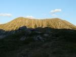 Todorin vrch osvětlený západem slunce.
