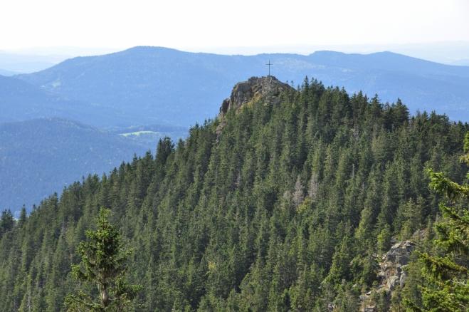 Nedaleko je i druhý vrchol Klein Osser (Malý Ostrý). Přestože jsem na vrcholu Ostrého asi počtvrté, na tomto nižším jsem nikdy nebyl. Teď je ten pravý čas to změnit!