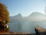 U břehu jezera