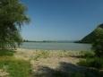 Dunaj u Dömös, asi 25 km jižně od Štúrova