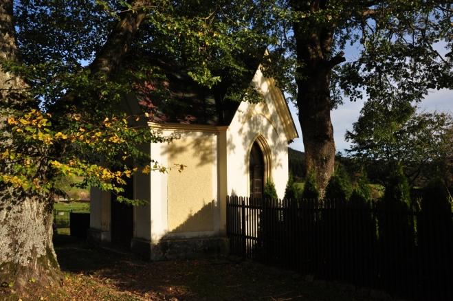 Kaplička ve Starých Hutích.